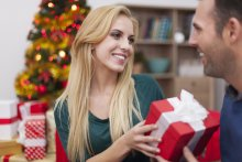 Should You Give Your New Boyfriend A Christmas Present?
